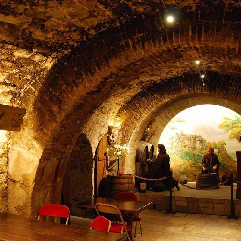 5 Square Charles Dickens 75016 Paris Francia