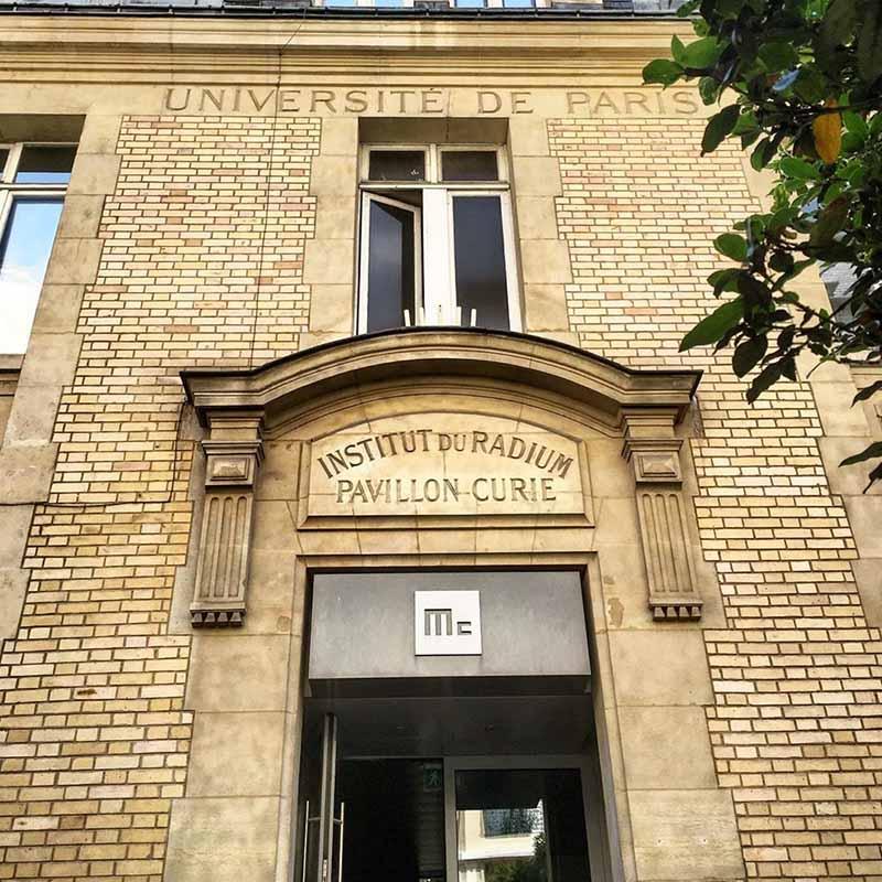 entrada del museo marie curie