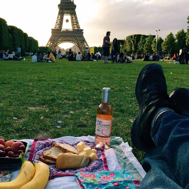 champ de mars picnic