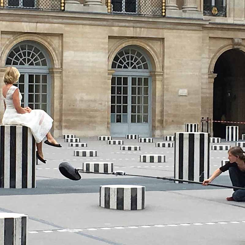 columnas de buren en los jardines del palacio real de paris